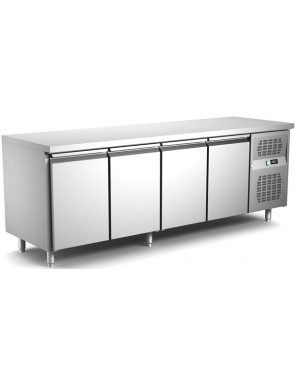 Cooling table with 4 doors...