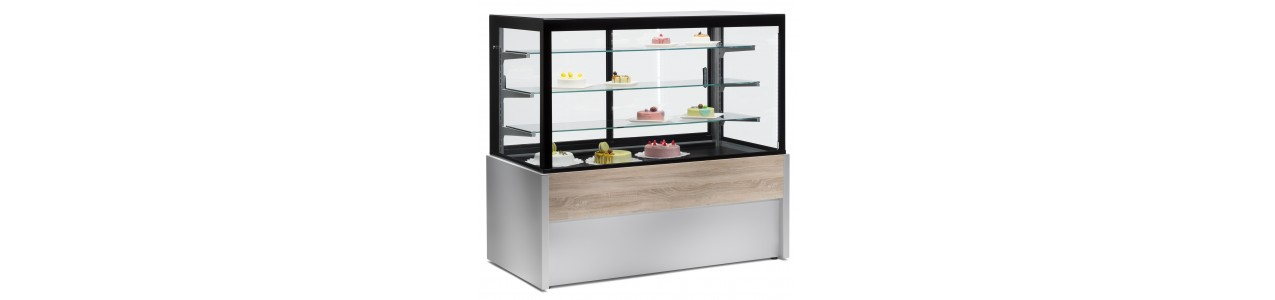 Refrigerated showcase with convection cooling for cakes